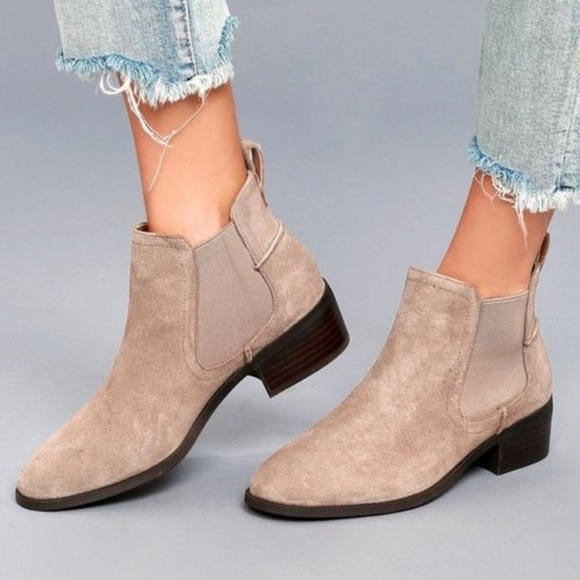1297f51ae4f Steve Madden Dicey Chelsea Boots. M 5c6c6d253c98448000df877c